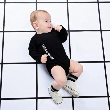 בגד גוף שחור לתינוקות
