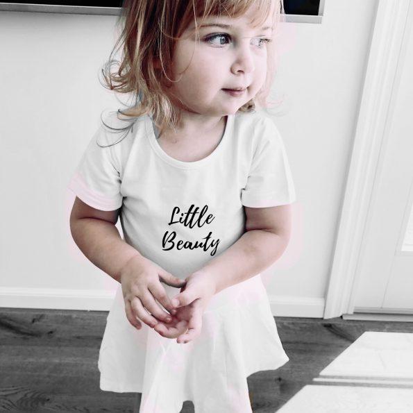 שמלה לבנה לתינוקות